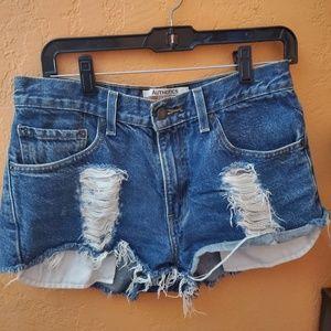 Distress jean shorts!